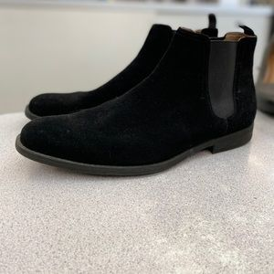 Men's Aldo black suede boots
